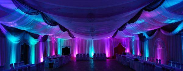 dekoracja weselna światłem
