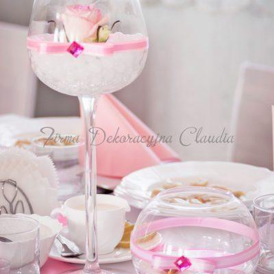 dekoracja stolika kielichy